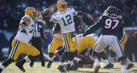 it_hurts_deep_aaron_rodgers_late_bomb_leaves_bears_frustrated_again_m13