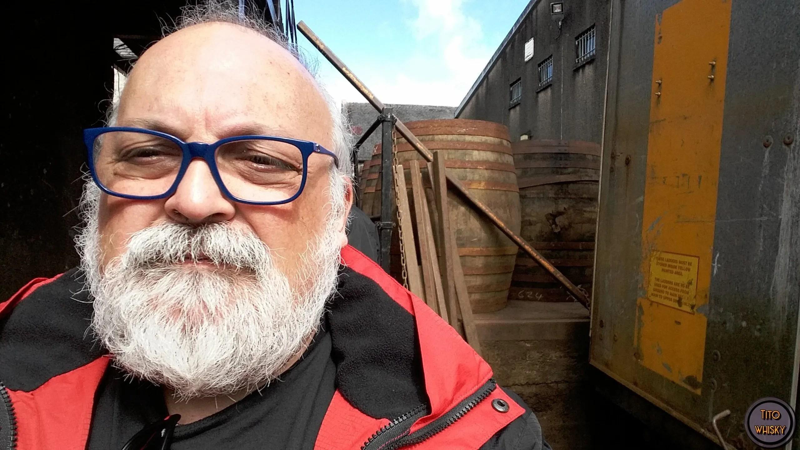 Tito visitando la destilería The Macallan