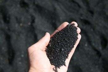 Punaluu Black Sand Beach, Hawaii. The black sand on Punaluu is formed by basalt lava, which explodes as it flows into the sea and rapidly cools. Image credits: poco a poco