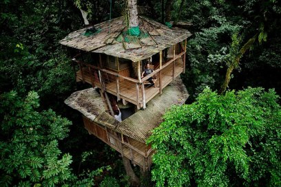 Eco-friendly Finca Bellavista Treehouse (Costa Rica) This tree house is a part of the self-sustainable and eco-friendly Finca Bellavista tree house community in Costa Rica. The whole property of the community now takes up more than 600 acres, and is all connected by suspension bridges! (Image credits: Anders Birch)