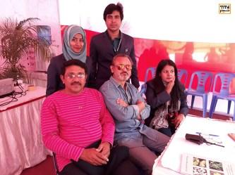 بخشی از گروه اجرایی جشنواره داکا