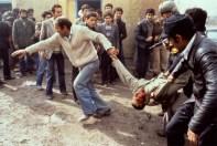 Violent protests in Tehran, Iran on Sunday, February 11, 1979. تظاهرات خونین در انقلاب ایران ۱۳۵۸