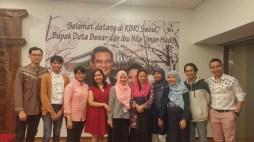 PNU Family Foto Bersama Ibu Dubes