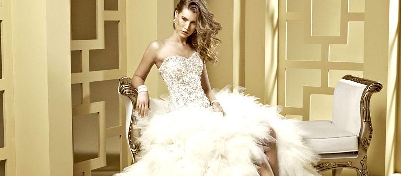 Come scegliere l abito da sposa più adatto al tuo fisico - Ti Voglio ... 21ec60f10b7