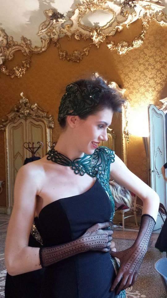 Le donne moderne vestono solo gli abiti esclusivi dell'Atelier Lorusso Sposa