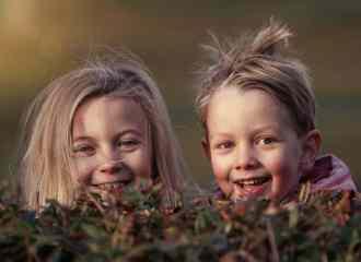 bambini amici