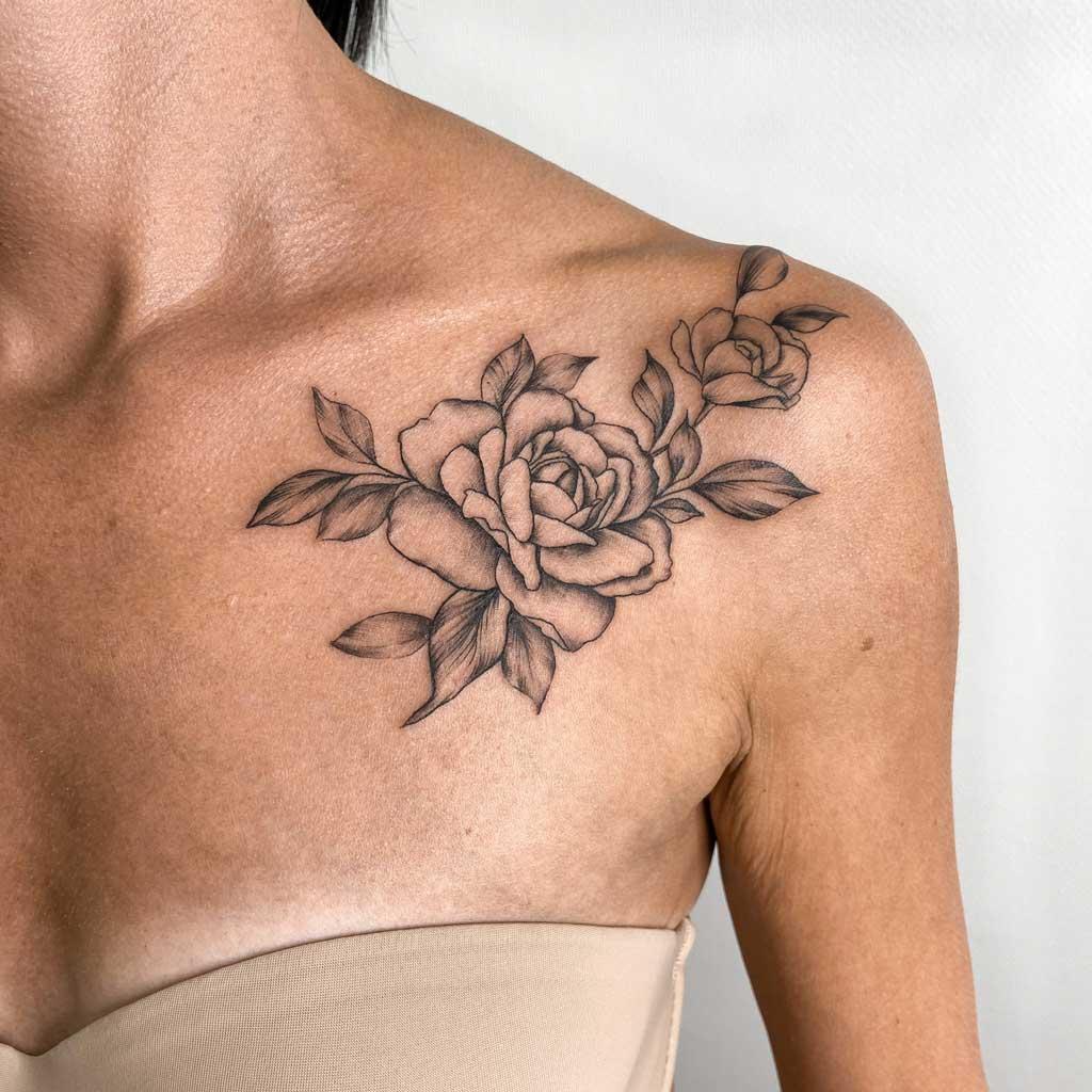 tatouage-fleur-pivoine-femme-fin