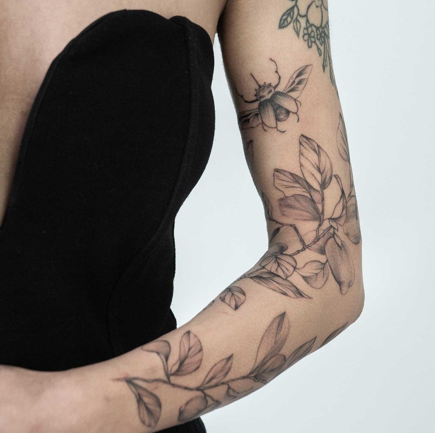 tattoo-bras-fleur-toulouse
