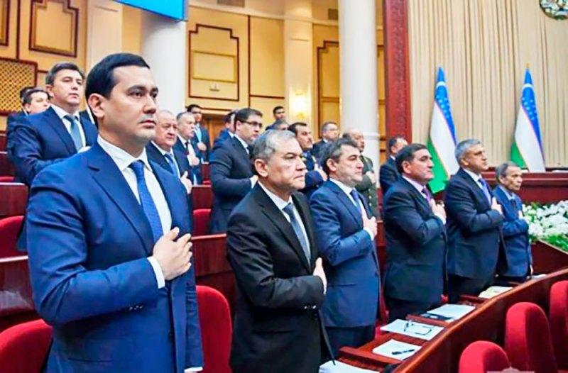 Ӯзбекистон: мансабдорон аз эъломияи ҳатмии даромад озод карда мешаванд