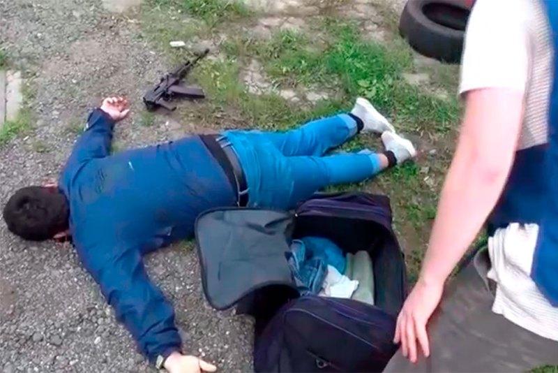 Русия: Кормандони ФСБ шаҳрванди тоҷикро бо силоҳ оташ кушода куштанд