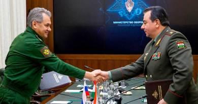 Русия ҳузури низомии худро дар Тоҷикистон тақвият медиҳад