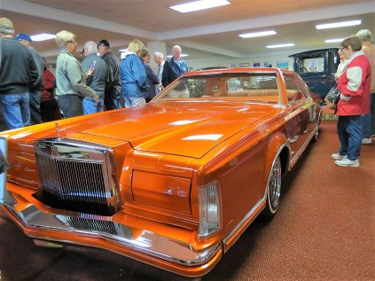 1979 Lincoln Continental Coupe (Low Rider)