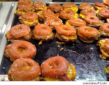 krispy-kreme-bacon-cheddar-cheeseburgers