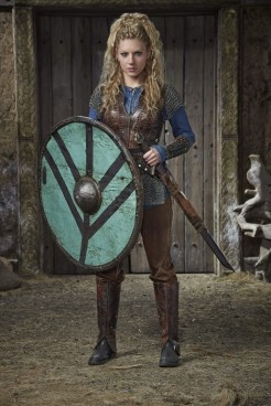 katheryn_winnick_vikings_season_3_promos_025