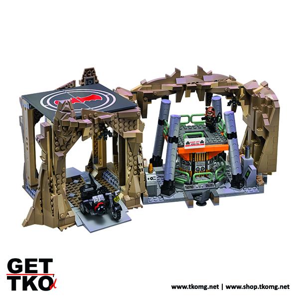 lego-batman-66-batcave-4