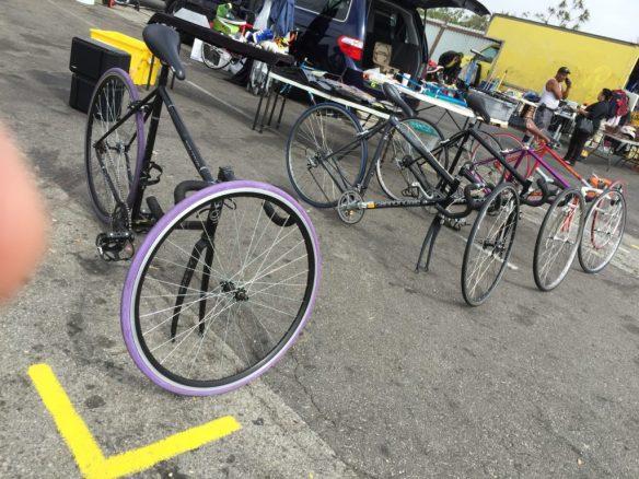 Bicicletas a la venta en el Swap Meet de Carson, California. Foto: JFS