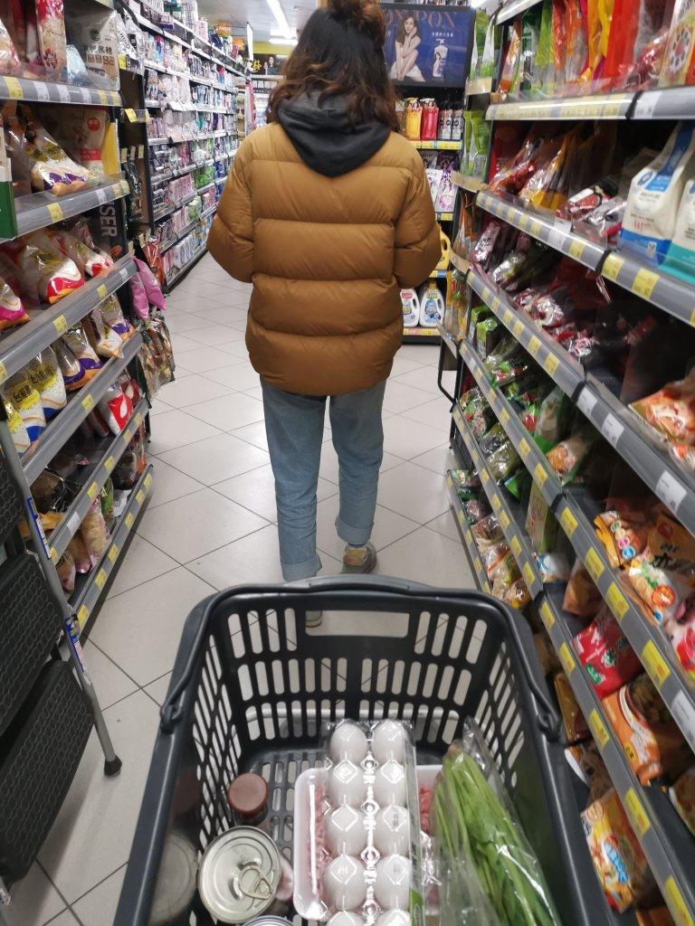 踢生活客棧旁超市