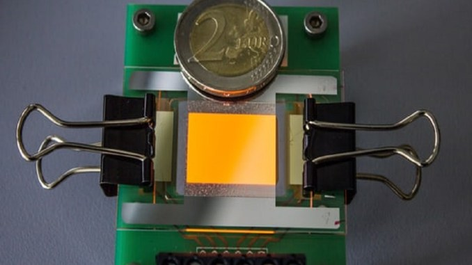 прозорий OLED-дисплей