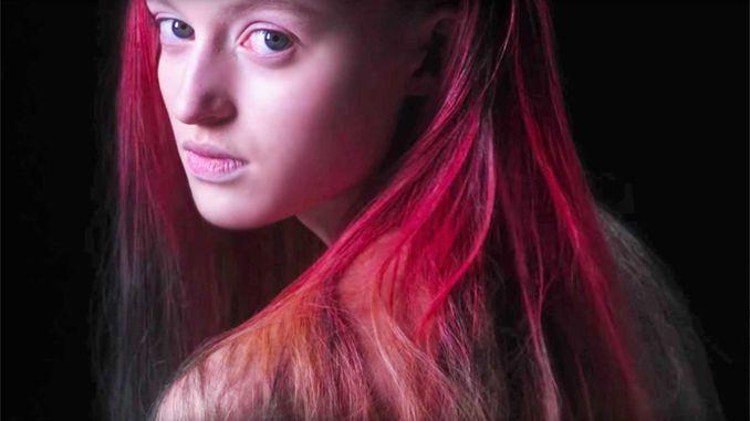 Нова фарба для волосся змінює колір залежно від температури