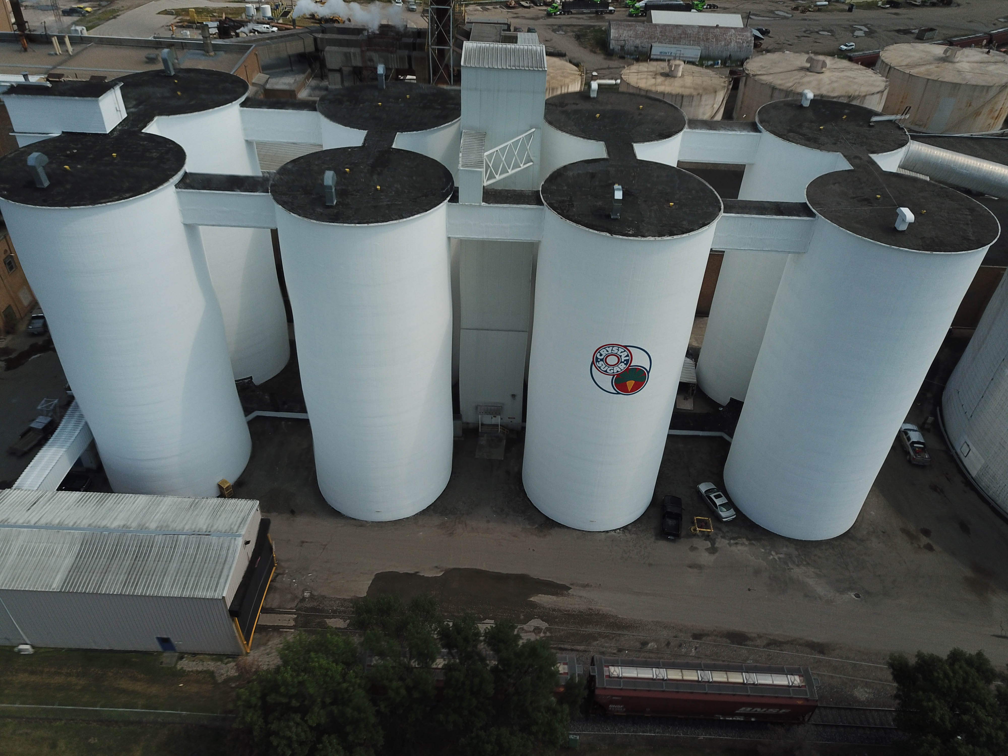 Crystal Sugar Silos Painted, Coated, Lined By TMI Coatings, Inc.