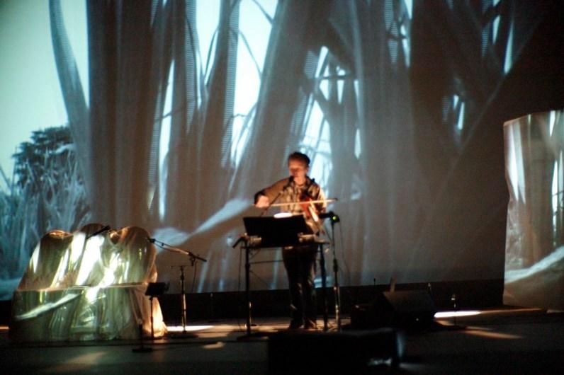 Resultado de imagen de laurie anderson performance art