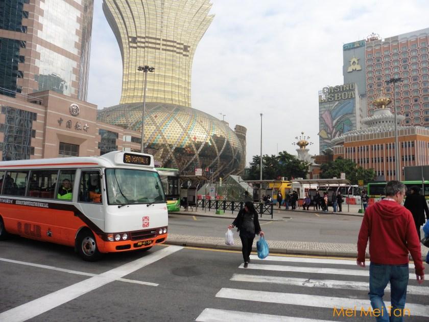 澳門機場到大三巴公車 在亞馬喇前地下車