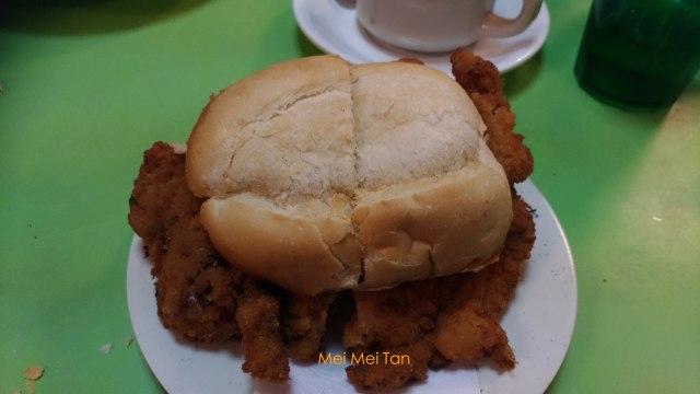 澳門舊城區美食 勝利茶餐室 排隊豬扒包