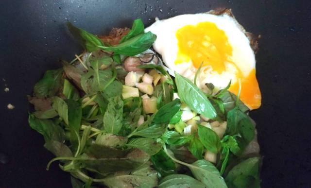 Recipe-Taiwanese-Oyster-Omlette-Step-3-4.jpg