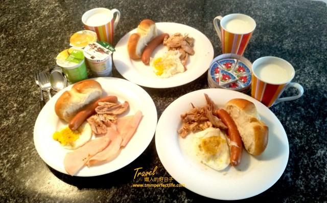 Zermatt-Haus-Ascot-2-breakfast.jpg