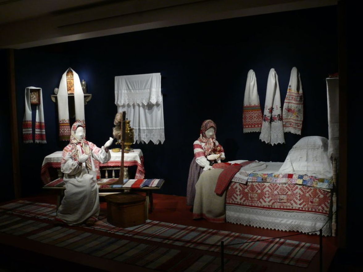 Diorama of Peasant Household, late 19th-early 20th century. Vologda region, Russia. Private Collection of Susan Johnson. Cloth, thread.