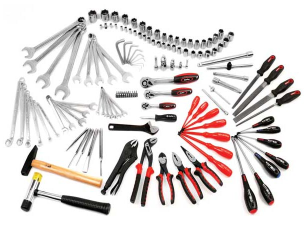 Growing Popularity of Omni-Retail Channels among Manufacturers opens New Frontiers in Industrial Hand Tools Market