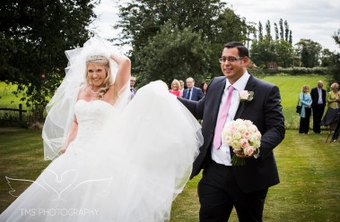 weddingphotography_Staffordshire_DovecliffeHall-124