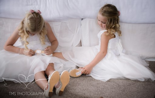 weddingphotography_Staffordshire_DovecliffeHall-36