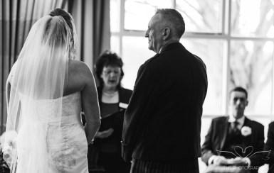 wedding_photography_staffordshire_branstongolfclub_pavilion-65