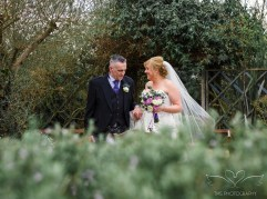 wedding_photography_staffordshire_branstongolfclub_pavilion-98