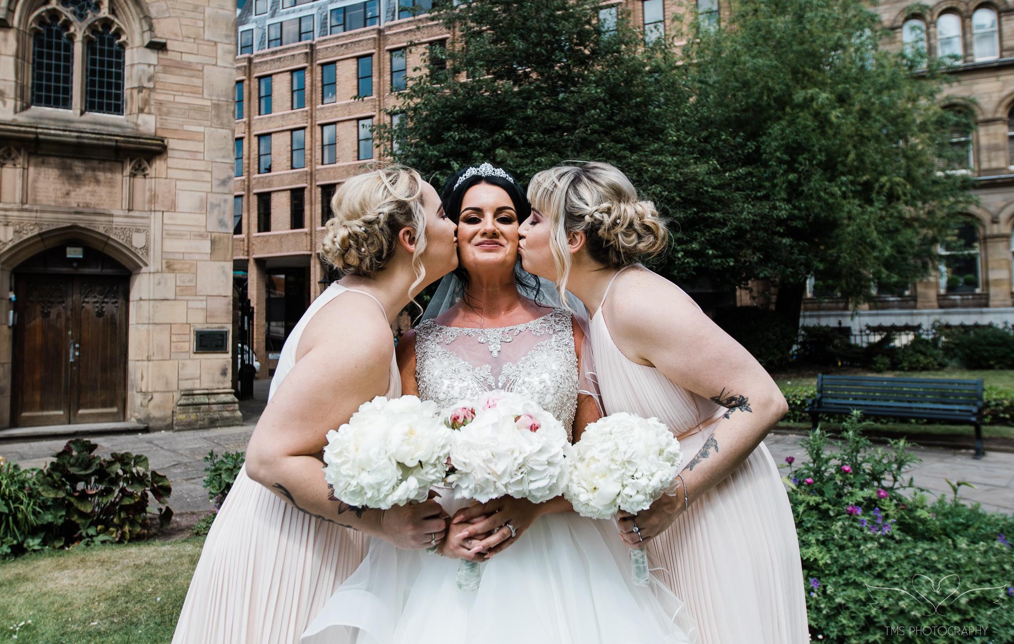 Wedding_photography_Hilton_liverpool_Albertdocks-98