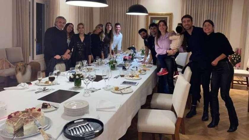 La foto del cumpleaños de Fabiola Yañez en Olivos que desató el escándalo.