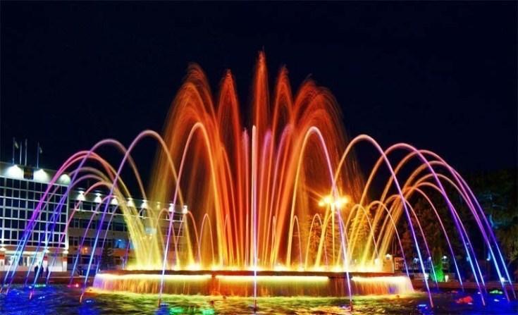 1. Музыкальные фонтаны