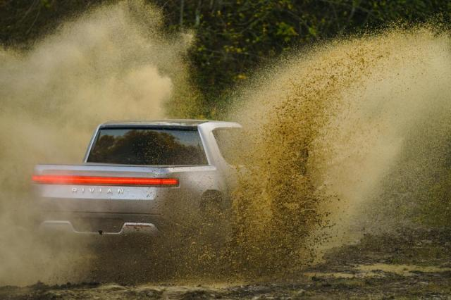 wire Rivian R1T Off Road