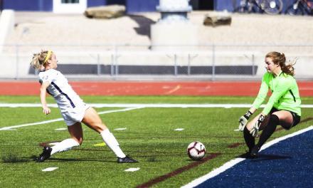 Women's soccer splits weekend