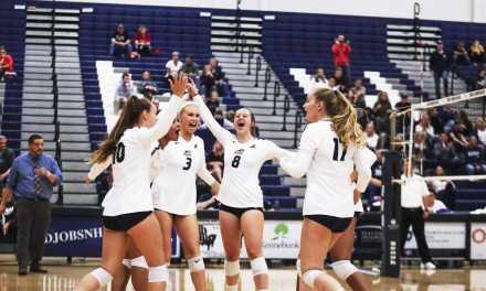 Volleyball sweeps weekend, win streak hits four