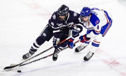 UNH finishes weekend in ninth place in Hockey East