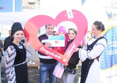 TNL Alba Iulia are grijă de îndrăgostiți: Le-a dat flori, i-a fotografiat și le organizează o petrecere cu premii în Club Allegria