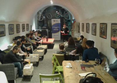 """Prima ediție a seminarului """"Cafeneaua Brătianu"""" din acest an"""