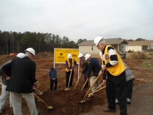 2013-Habitat-Loudon-Co-Groundbreaking