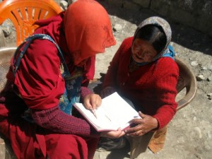 Sherab Choeling nun teaching a woman in Spiti