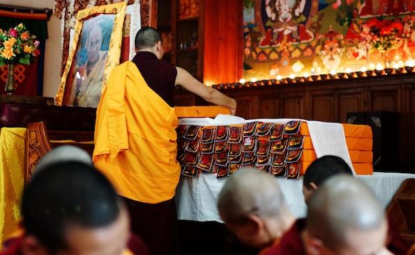 Buddhist nun and Tibetan texts