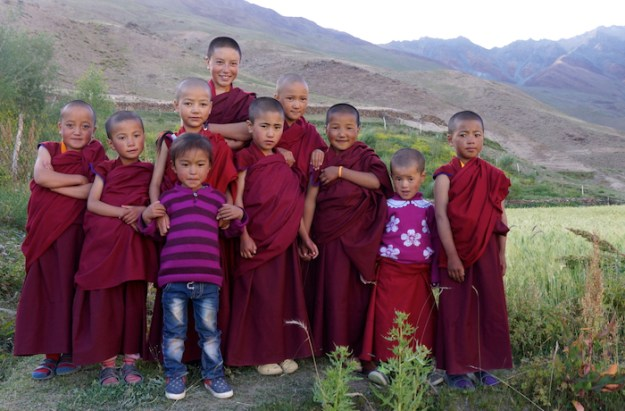 nuns, Buddhist nuns, Dorje Zong Nunnery, Tibetan Nuns Project, sponsor a nun