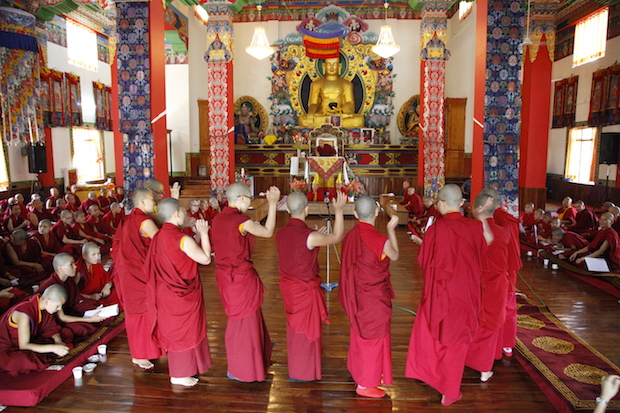 Tibetan nuns debate at Tilokpur