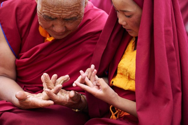 Mudras: Meaning of Sacred Hand Gestures - Tibetan Nuns Project